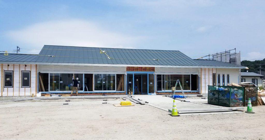やまみこどもクリニックの開院までの工事進行状況をお写真でアップしています。 「建物の全貌が明らかになりました。」